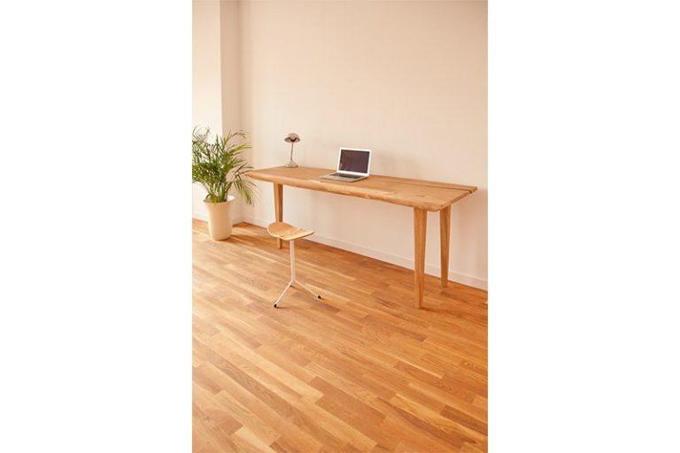 Mesa auxiliar Tres pies-1503