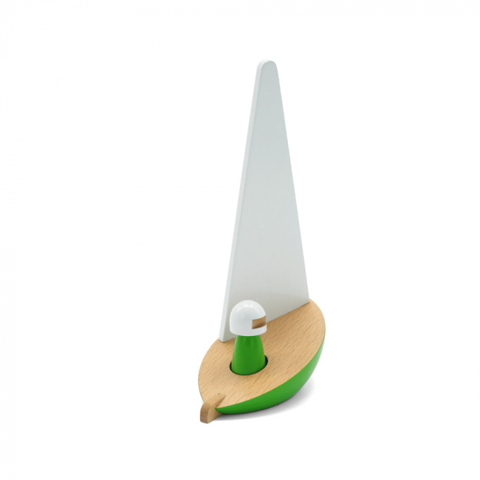 wooden-sailboat-toy-green-riders-ekohunters-sustainability