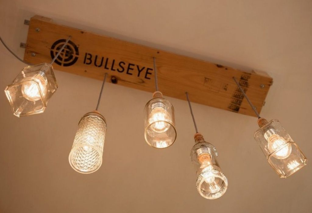 sustainable-pendant-lamp-upcycling-pallet