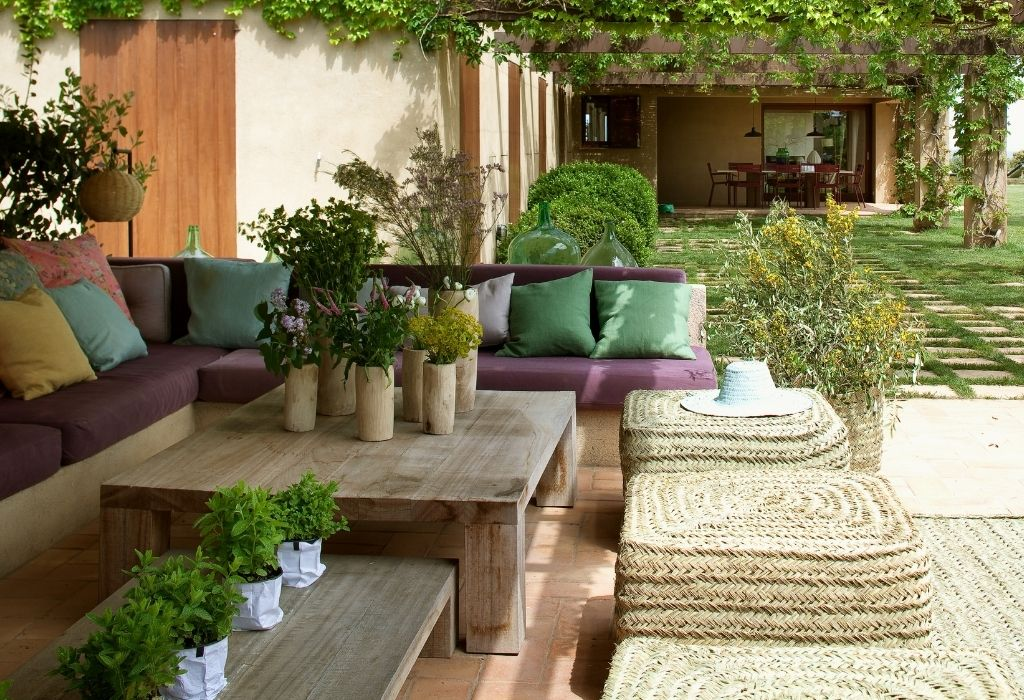 sustainable-outdoor-furniture-living