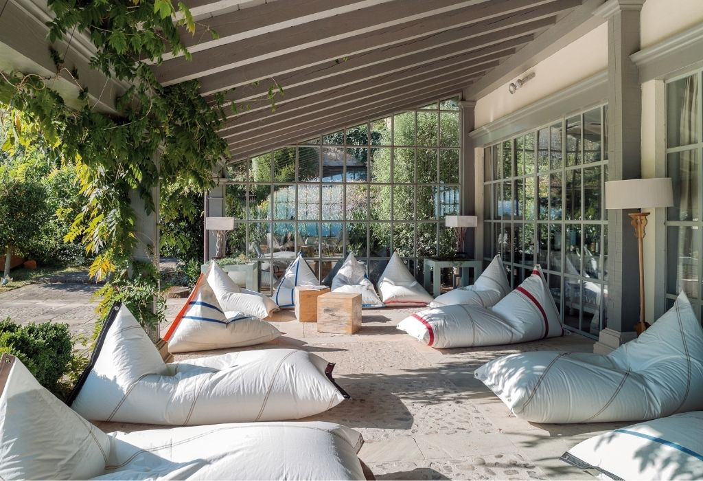 sustainable-outdoor-furniture-puff