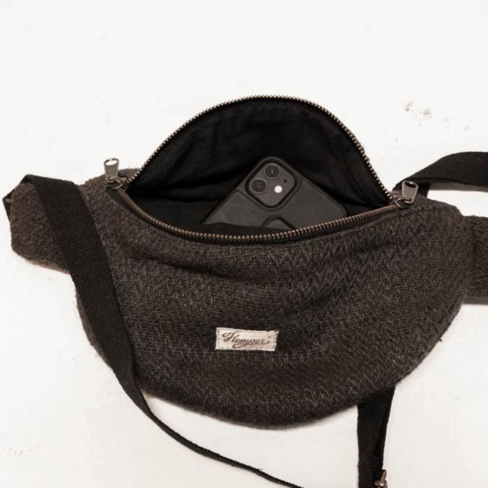 sustainable-jannu-black-waistbag-ekohunters-hemper