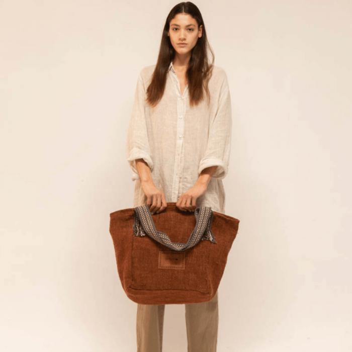 eco-friendly-maxi-bag-ekohunters-hemper-sustainable-fashion-accessories