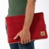 funda-de-ordenador-portatil-sostenible-roja-siraha-ekohunters-ecodiseño-bhangara