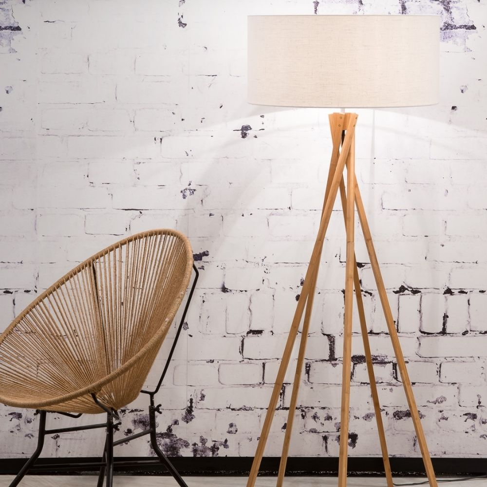 Sustainable floor lamps made of natural materials